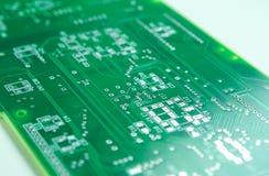 Colpo del primo piano di nuovo circuito stampato prima montaggio di componentistica della IMMERSIONE e di SMD Immagine Stock Libera da Diritti