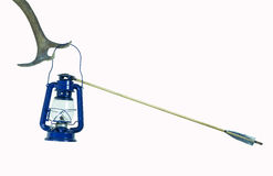 Colpo della lampada di cherosene dalla freccia (isolata) fotografie stock libere da diritti