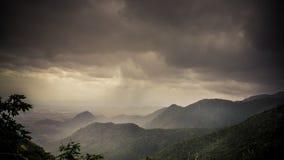 Colpo della montagna di tempo di sera Fotografia Stock