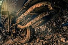 Colpo di HDR di vecchio motorino con ferro ed acciaio arrugginiti Fotografie Stock Libere da Diritti