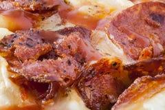 Colpo di macro della torta di pizza della merguez Immagine Stock Libera da Diritti