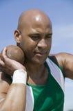 Colpo di Ready To Throw dell'atleta messo Fotografia Stock