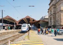 Colpo francese dell'operatore della ferrovia di SNCF - dimostrante che fa barbecue Immagini Stock Libere da Diritti