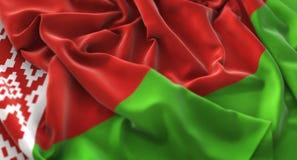Colpo macro meravigliosamente d'ondeggiamento del primo piano increspato bandiera della Bielorussia immagini stock libere da diritti