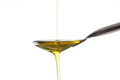 Colpo a macroistruzione dell'olio di oliva Immagini Stock Libere da Diritti