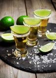 Colpo messicano di tequila dell'oro fotografia stock libera da diritti