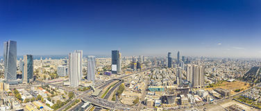 Colpo panoramico del telefono Aviv And Ramat Gan Skyline immagine stock