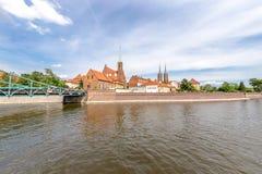 Colpo panoramico sulla costruzione dell'isola di Tumsk a Wroclaw Fotografie Stock
