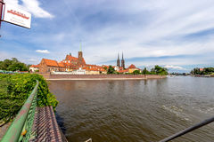 Colpo panoramico sulla costruzione dell'isola di Tumsk a Wroclaw Immagini Stock