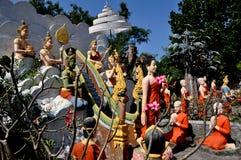 Colpo Saen, Tailandia: Figure scolpite a Wat Saen Suk Fotografia Stock Libera da Diritti