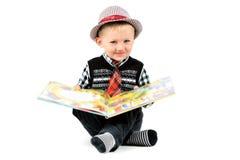 Colpo sorridente dello studio del ragazzo isolato su un fondo bianco Fotografia Stock
