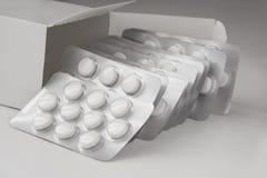Colse вверх по хлебцам взгляда множественным таблеток Стоковая Фотография RF