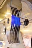 Coltelli per la taglierina o la smerigliatrice sui precedenti dell'impianto di macellazione Immagini Stock Libere da Diritti