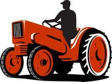 Coltivatore che guida il trattore dell'annata retro illustrazione vettoriale