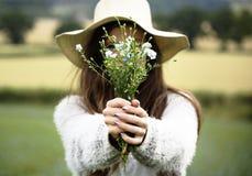 Coltivi il concetto stagionale della crescita della natura del giardino fotografie stock libere da diritti
