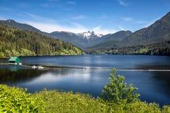 Columbia Británica de Vancouver de las montañas del depósito de Capilano Fotografía de archivo libre de regalías