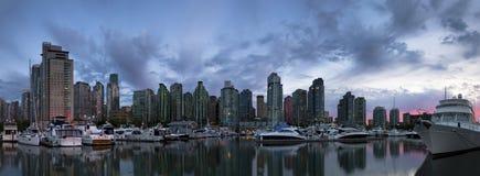 Columbia Britânica Canadá de Vancôver da skyline Imagens de Stock Royalty Free