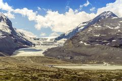 Columbia Icefield and Sunwapta Lake in Jasper National Park, Alb. Columbia Icefield, Snow Dome and Sunwapta Lake in Jasper National Park, Alberta, Canada stock photo