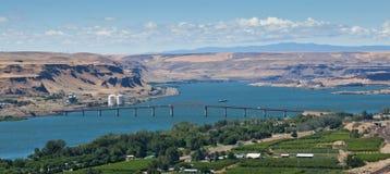 Columbia River bro Fotografering för Bildbyråer