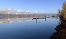 Columbia River som muddrar arbete och skeppsdockor Fotografering för Bildbyråer