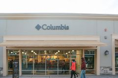1000640f0f Columbia Sportswear Stock Images - Download 37 Royalty Free Photos
