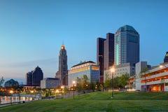 Columbus, Ohio en la oscuridad Foto de archivo libre de regalías