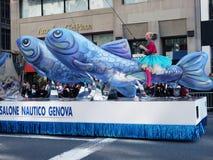 Columbus-Tagesparadehin- und herbewegung. Lizenzfreie Stockfotografie