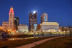 Columbus van de binnenstad, Ohio bij dageraad stock foto's