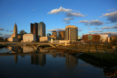 Columbus van de binnenstad, Ohio bij schemer royalty-vrije stock foto's