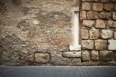 Columna abstracta de la pared de ladrillo fotografía de archivo