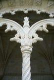 Columna adornada en monasterio en Portugal. Fotos de archivo