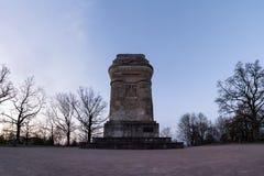 Columna al aire libre Autumn Sun de la torre del monumento de Stuttgart Bismarckturm fotos de archivo libres de regalías