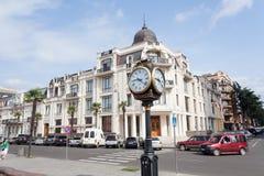 Columna con el reloj Imagen de archivo libre de regalías
