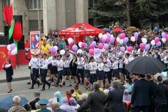 Columna de los alumnos de la escuela secundaria ningunos 29 Pyatigorsk, Rusia Imagenes de archivo