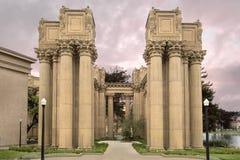 Columna del estilo del Corinthian en el palacio de bellas arte Fotografía de archivo libre de regalías