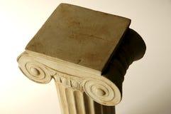 Columna iónica vieja fotografía de archivo