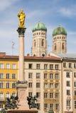 Columna mariana y la catedral de Munich Foto de archivo libre de regalías