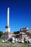 Columna Phocae en el foro romano Imagenes de archivo