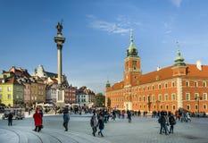 Columna real del castillo y de rey Waza III en cuadrado del castillo en Varsovia Fotos de archivo