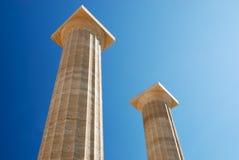 Columnas antiguas con orden dórica Imagen de archivo libre de regalías