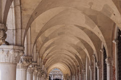 Columnas arquitectónicas en una Venecia Musem Fotografía de archivo libre de regalías