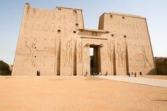 Columnas arruinadas en Edfu, Egipto Fotografía de archivo