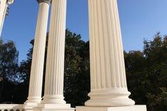 Columnas blancas Fotos de archivo libres de regalías