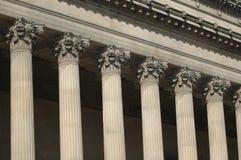 Columnas clásicas neas detalladamente Foto de archivo libre de regalías