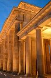 Columnas dóricas de la puerta de Brandenberg en Berlin Germany foto de archivo libre de regalías