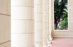 Columnas de un palacio de justicia Imágenes de archivo libres de regalías