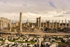 Columnas del ágora en Perge arcaico Imágenes de archivo libres de regalías