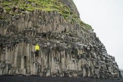 Columnas del basalto de Reynisfjara Foto de archivo
