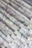 Columnas del basalto del hexágono en la playa Reynisfjara, Islandia Fotografía de archivo