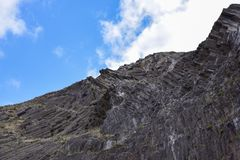 Columnas del basalto en Oporto Santo, 43 kilómetros de Madeira, Portugal fotos de archivo libres de regalías